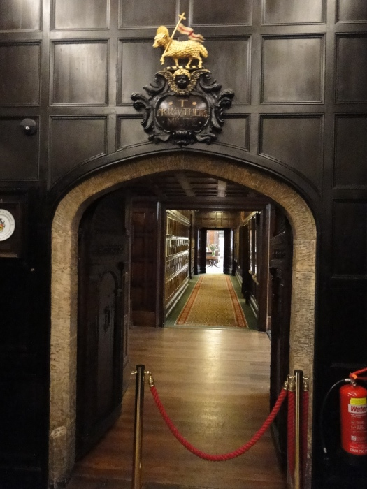 The hallway from the Middle Temple offices to the Hall